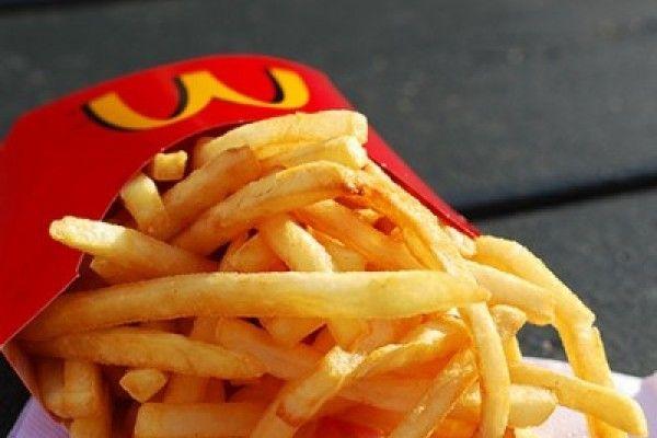McDonald's raciona las papitas fritas por huelgas