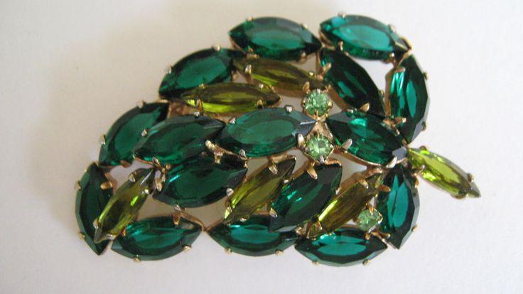 Vintage 1950s Emerald Peridot Olivine Stylized Leaf Pin Rhinestone Brooch  | eBay