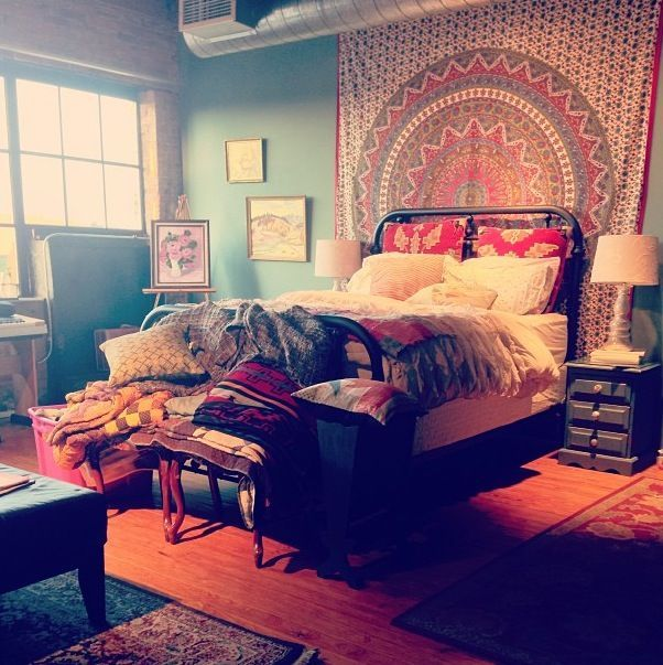 17 best images about bedroom decor with tapestries on for Room decorating ideas hippie