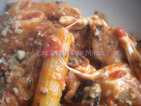 Pâtes aux tomates, aubergines & mozarella  Jamie Oliver