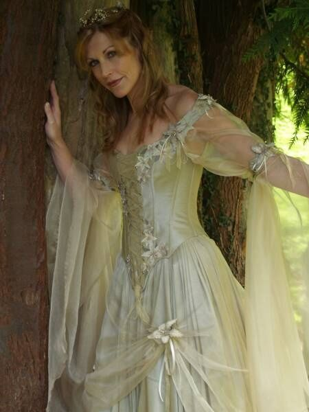 41 best images about Middle Earth Bridal on Pinterest ...