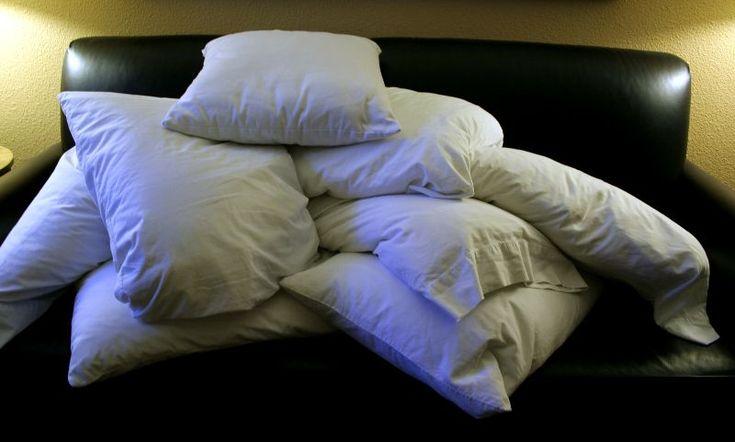 6 maneras de reutilizar las almohadas viejas