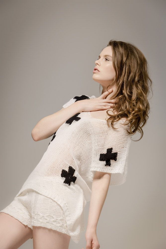17 Best images about Ёlka Bespoke Knitwear on Pinterest | Cable ...
