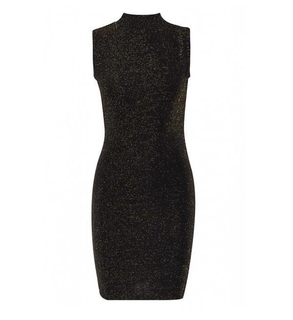 Sisters Point jurk model Soon. Deze feestelijke jurk is voorzien van een patroon van lurex, heeft een kleine col met aan de achterzijde een uitsnede.
