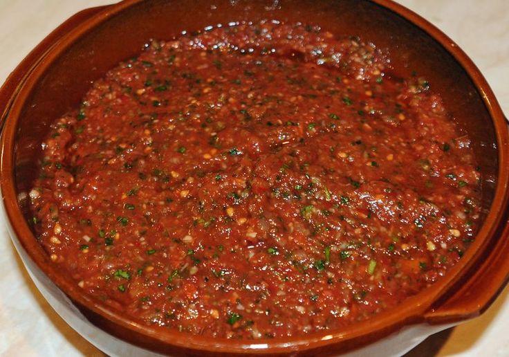 Acılı Domates Ezmesi - Turkish spicy tomato salsa recipe