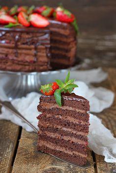 Сладкий мир - Торт шоколадно клубничный