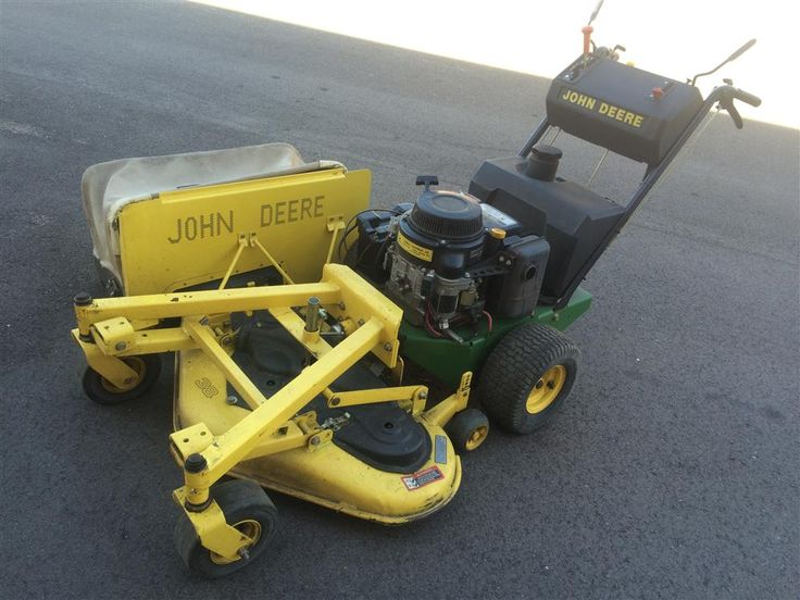 www.M37Auction.com: John Deere Walk Behind Commercial Lawn Mower - Only 405 Hours!