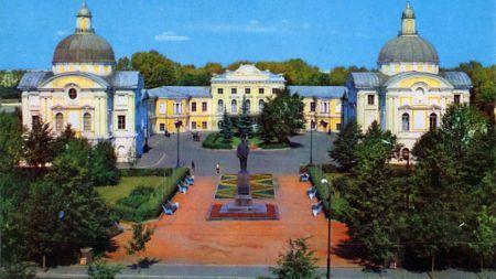 Источник: www.tvernews.ru 15 февраля Тверская областная картинная галерея отмечает 80-летний юбилей.