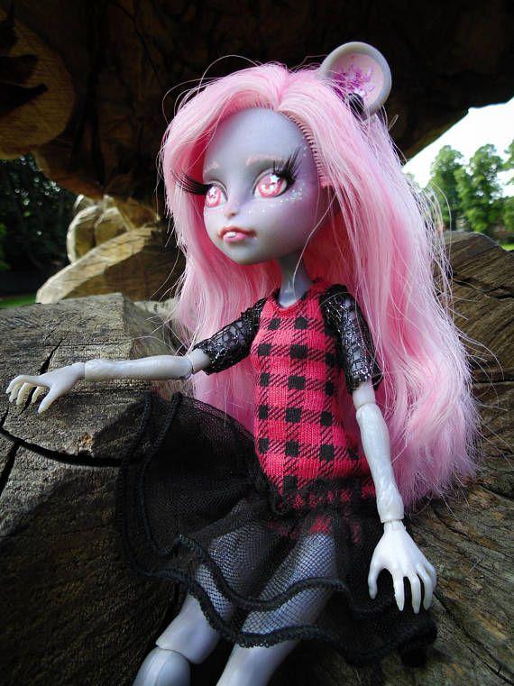 Pre-order Monster high ooak dolls. Send any doll idea. Full #ooak #monsterhigh #ooakdoll #doll #dolls #dollrepaint #MouscedesKing #MouscedesKingrepaint #MouscedesKingooak #MouscedesKingdoll #ixinoname