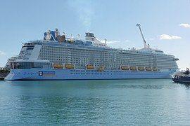 Cruise Ship, Hajó, A Vonalhajózási