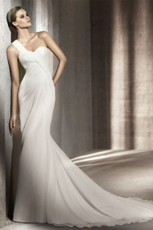 55 Chic And Romantic One-Shoulder Wedding Dresses   Weddingomania