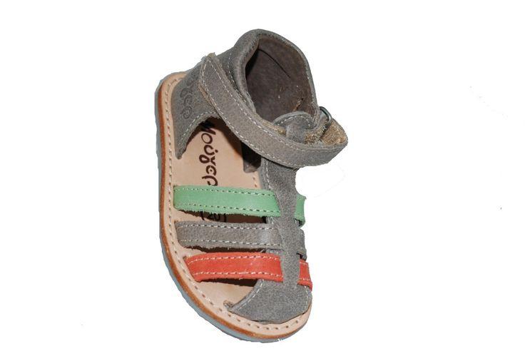 #kids #shoes Παπουτσοπέδιλο δερμάτινο Μούγερ, μπεζ με αυτοκόλλητο κούμπωμα. www.mouyer.gr/store/products/collections/season2015S/itemA12074-2200-23