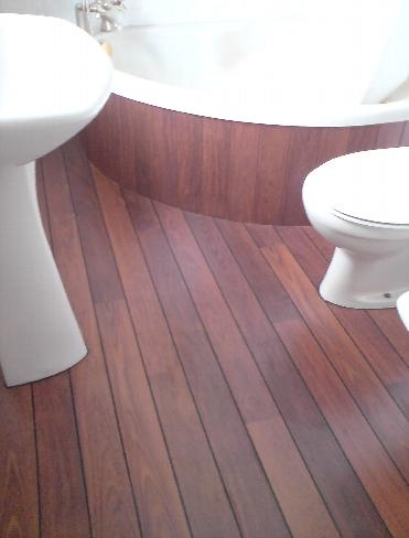 Quick step lagune ship deck for bathrooms with black for Rubber laminate flooring