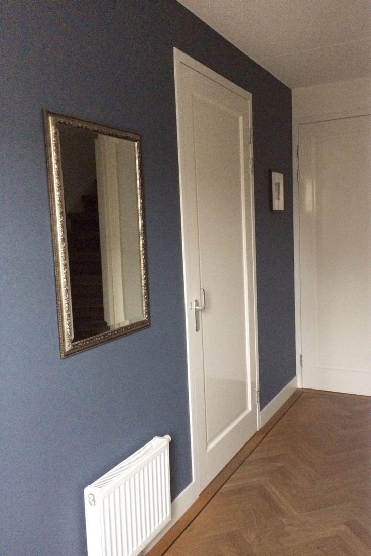 Binnenschilderwerk van A tot Z Kunnen de muren in de woonkamer wel weer een frisse nieuwe kleur gebruiken? Of ben je net verhuisd en moet het hele huis geschilderd worden? En ben je op zoek naar een binnenschilder?  Bij Miranda Maakt het Mooi zit je voor binnenschilderwerk goed van A tot Z.Ik geefkleuradvies en verzorg de uitvoering van het schilderwerk. Ik ga altijd voor een zo strak mogelijk resultaat. Ik repareer scheuren en maak met speciale tape en acrylaatkit die niet scheurt, de…