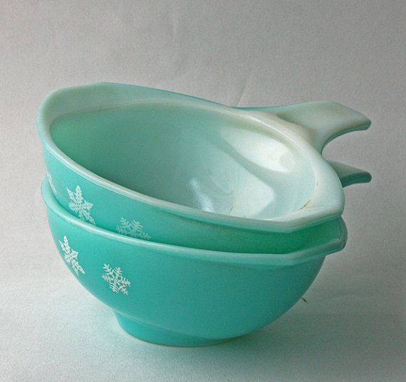 Two Pyrex Dishes with handles in the popular Snowflake Pattern. 1960's retro Kitchen, Pyrex bowls, JAJ Pyrex. Rare Pyrex.