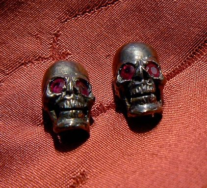 Skull earrings silver burnished with genuine rubys handmade by Dogale Jewellery Venice Italia