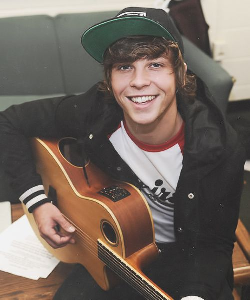 Thank you Keaton for following me!!!! It means a lot!!!!:) Also if you follow Keaton here is his account @Keaton Stromberg