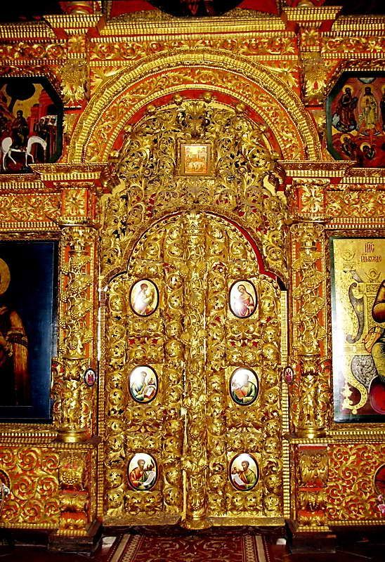 Royal Doors of Trinity Cathedral in Hypatian Monastery in Kostroma & 51 best Royal Doors images on Pinterest | French doors Old doors ...