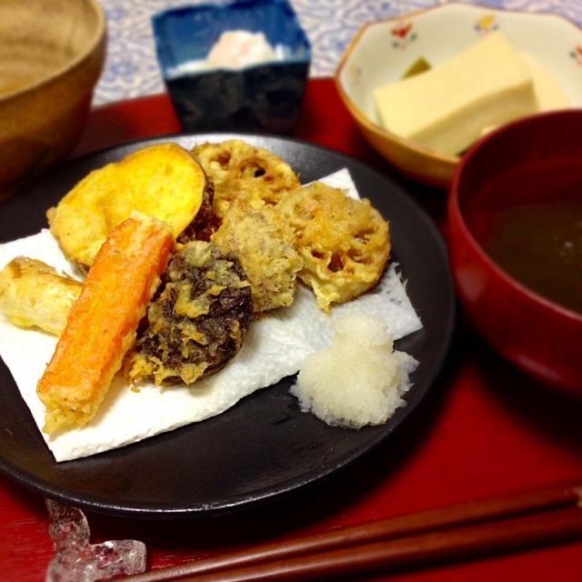 精進揚げ(人参、さつまいも、蓮根、葱、栗、椎茸) - 35件のもぐもぐ - 精進揚げ、高野豆腐の含め煮、とろろ昆布のお吸い物、温泉卵 by kayorina