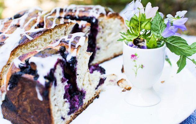 Mustikkaboston / Blueberry bun / Kotiliesi.fi / Kuva/Photo: Riikka Hurri/Otavamedia