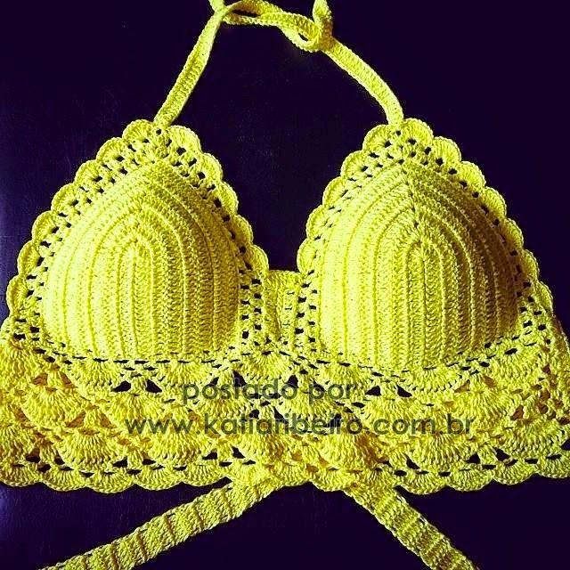 Katia Ribeiro Acessórios: Cropped top em crochê com gráfico