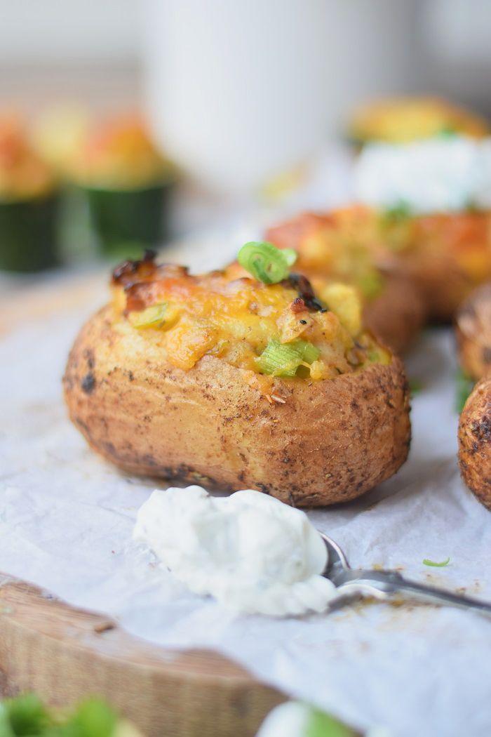 Twice Baked Potatoes - Doppelt gebackene, würzige Kartoffeln #food #bbq #grillen | Das Knusperstübchen