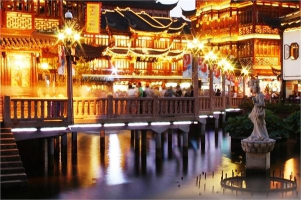 The bridge at Yu Yuan, in Shanghai, China.