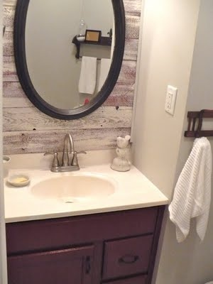 Pallet wood behind mirror (in addition to behind toilet - in small ...