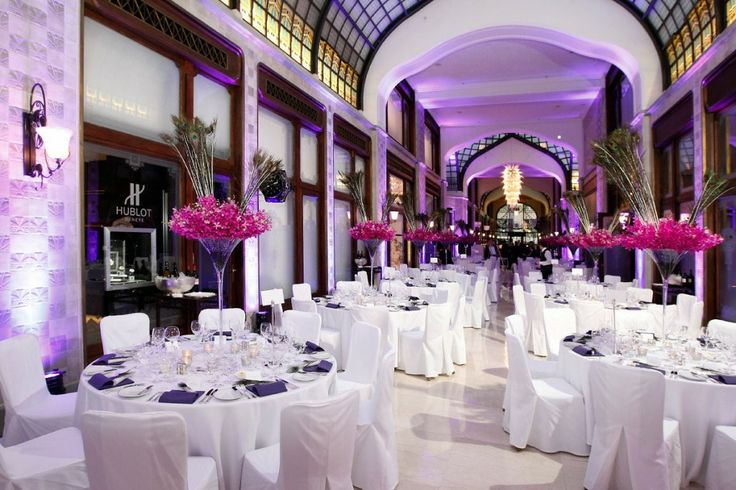 Whether for wedding ceremonies or an unforgettable dinner, the Zrínyi Passage at Four Seasons Hotel Gresham Palace Budapest may be turned into a striking event venue.