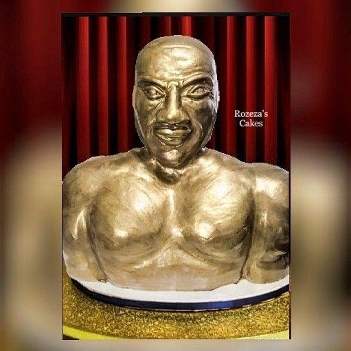 3D bust trophy cake