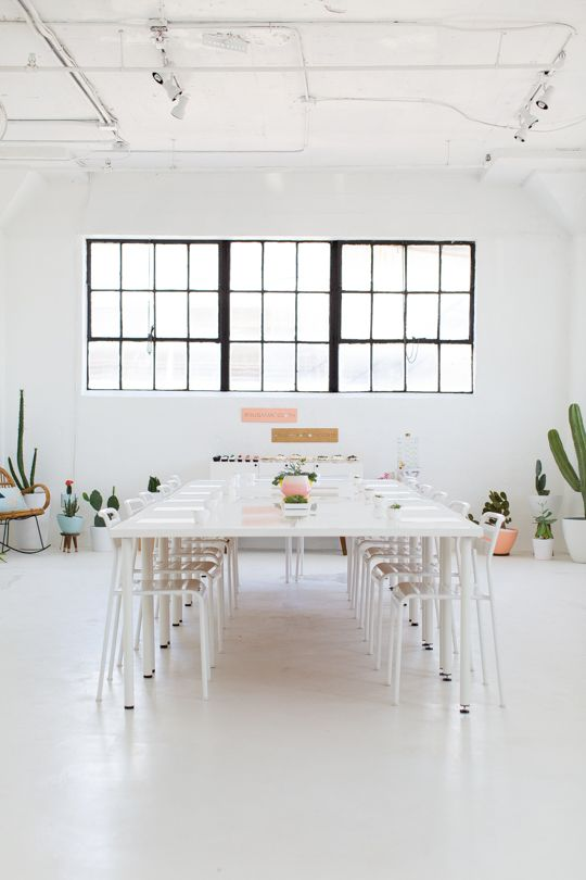 I LOVE the white.  I wish I could get away with this in our home.  I love the plants too.