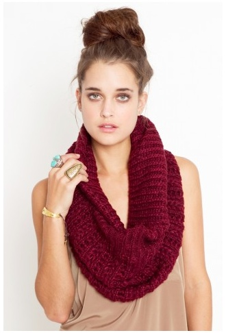 Maroon scarf. For when it gets colder.  #kendrascott #ksspirited #teamKS