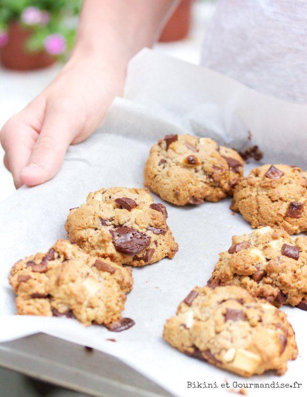 l'important dans cette recette de cookies à la farine de châtaigne est de bien mélanger les éléments secs ensemble et par contre de mélanger le moins possible dès que vous ajoutez le beurre pommade et les oeufs battus.
