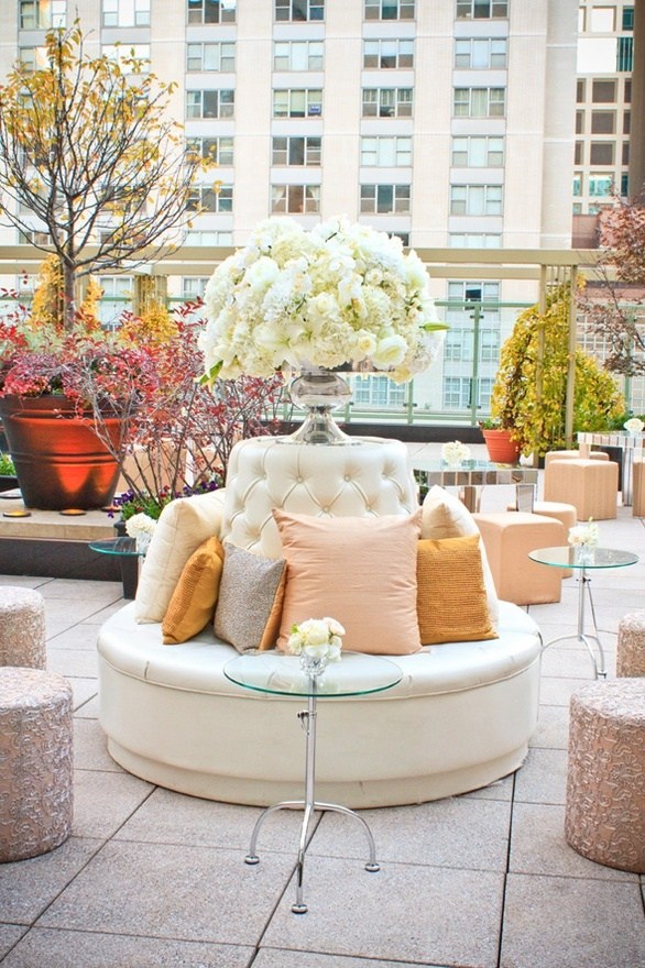 rooftop wedding reception. At a wedding are you kidding me!  Well, if I had that kind of money I would do it to