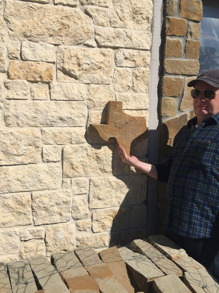 Texas Cream Limestone Veneer with Flagstone piece  Outdoor Kitchen  Limestone house Cream