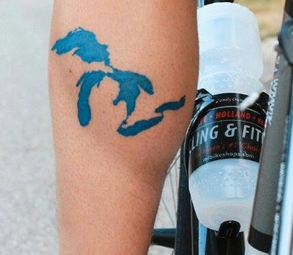 Blue Great Lakes. Don't care for the placement, but it's a very smart blue and accurately drawn. Nice idea.