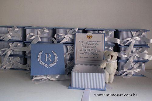 Lembrancinha Maternidade Sofisticada para chegada do Roberto. Caixinha com bordado e chaveiro de urso. Gift for Baby. www.mimosart.com.br