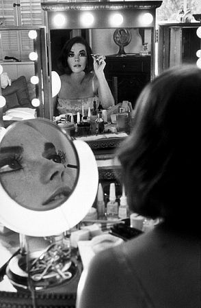 Natalie Wood getting ready in Beverly Hills, CA, 1973. #livinginstyle #violetgrey