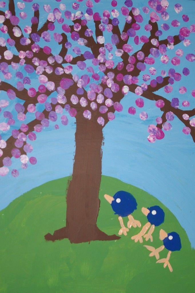 * Bloesem! Eerst de boom enz. verven dan vingertoppen bloesem en vogels