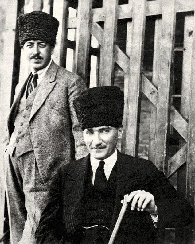 Harbin sonralarına doğru Mustafa Kemal Paşa önce 7. Ordu daha sonra da Yıldırım Orduları Kumandanlığında görev aldı.