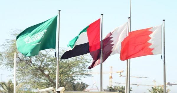 محلل يكشف كيف وصلت طائرتا منتخبي الإمارات والسعودية إلى قطر تتضمن مفاجأة صور Wind Sock Outdoor Decor Kuwait