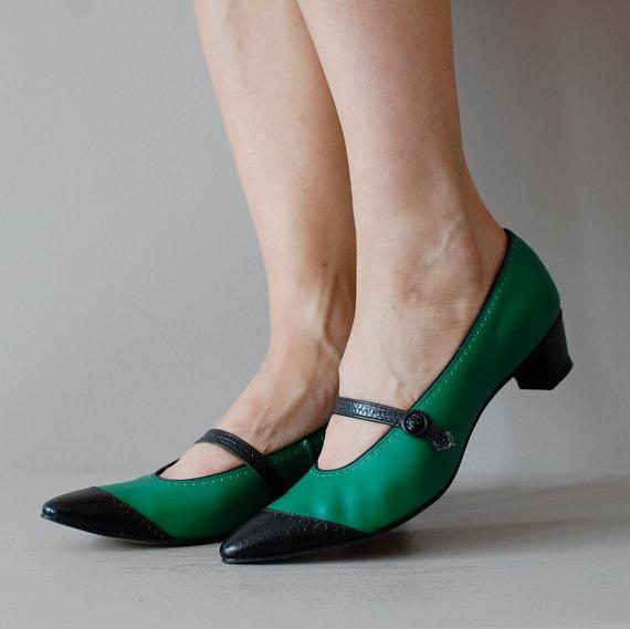 1960s shoes / 60s mary janes / Kelly Spectators by DearGolden, $54.00