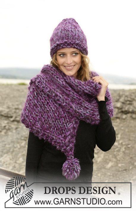 Conjunto DROPS : cachecol com pompons em ponto meia e gorro tricotado com 3 fios Eskimo e 1 fio Vienna. Também se pode tricotar com 1 fio Po...