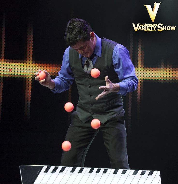 There's a reason Wally Eastwood is the longest playing #comedy juggler in #LasVegas history, he has the fastest hands in the west! #VtheShow #Juggling #FamilyFriendly #Vegas #KidsShows #PlanetHollywood