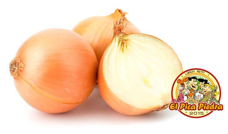 #RocaTIPS La Cebolla contiene grandes cantidades de quercetina que posee la propiedad de favorecer la circulación sanguínea. Además previene la trombosis y el envejecimiento de las arterias y venas por su contenido en Sílice. También reduce el colesterol e incrementa la capacidad de la sangre para disolver coágulos internos, previniendo de este modo la trombosis coronaria... #Yabbadabbadooo2016