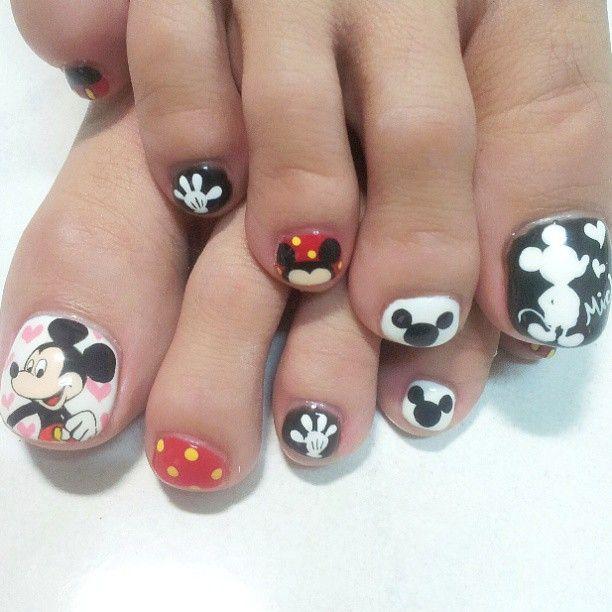 Mickey Mouse Nails: Nails: Disney