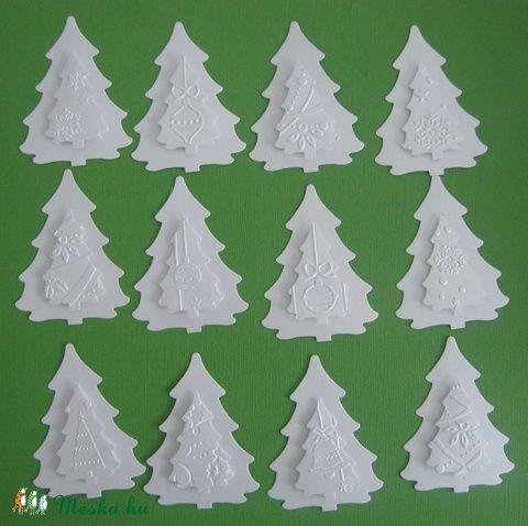 Egyedi dombormintás karácsonyi ajándékkísérő (hófehér fenyőfa)