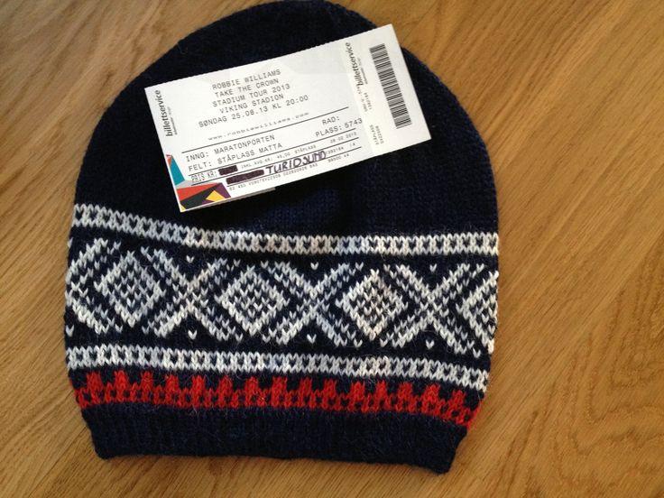 Baggy Marius lue strikket til Turid i 30 års gave. Garn - Sandnes Alpakka