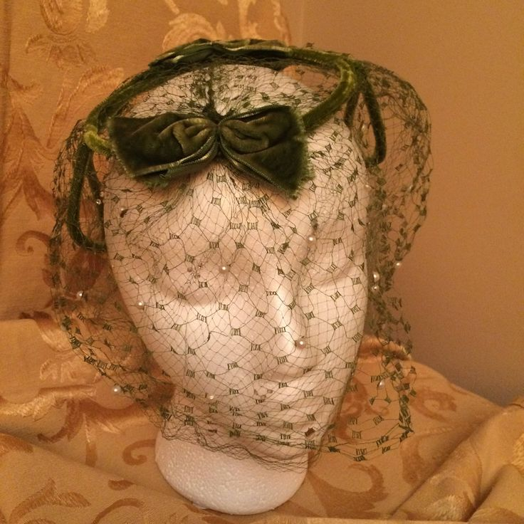 Welcome to my #etsy shop: Beautiful 1950's caplet in green velvet http://etsy.me/2BwQu2T #bathandbeauty #green #caplet #fascinator #netting #beads #velvet #rosysclosetcanada