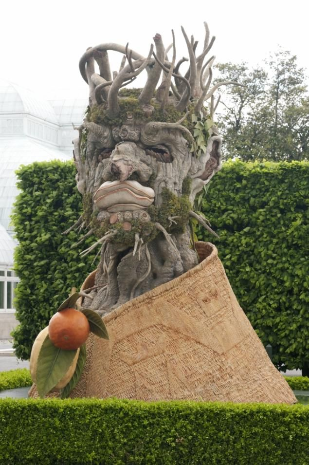 See the four seasons in these sculptures by Philip Haas at the New York Botanical Garden.